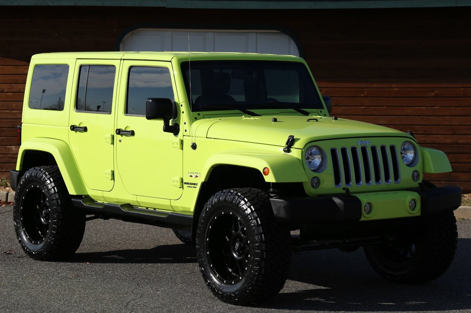 great 2016 jeep wrangler unlimited sahara 2016 jeep wrangler unlimited hyper green 7k miles 1. Black Bedroom Furniture Sets. Home Design Ideas