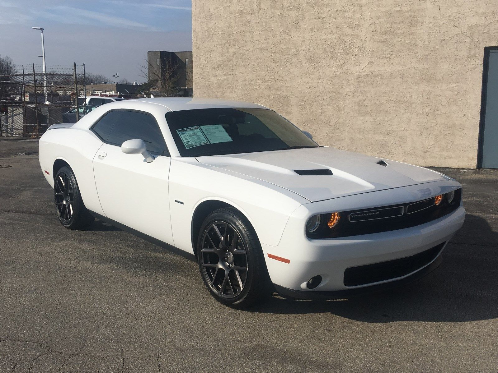Awesome 2016 Dodge Challenger White R T Plus Coupe 5 7 V8 Hemi 1 Owner Clean Carfax 2017 2018