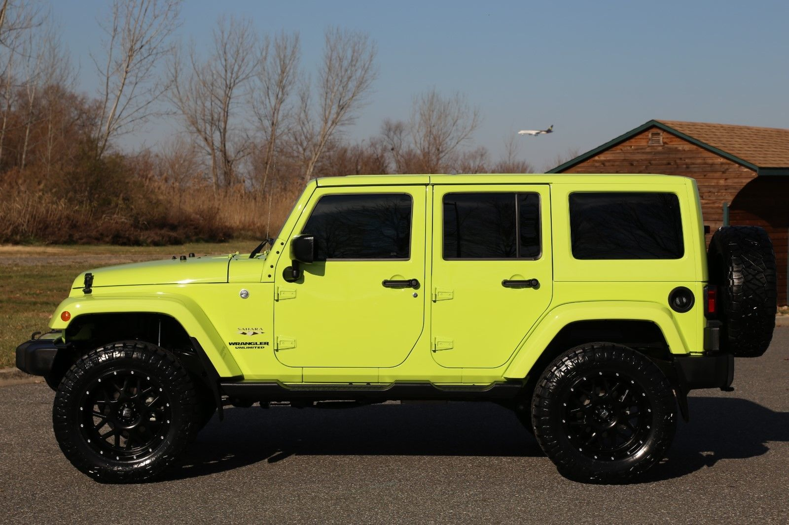 Awesome 2016 Jeep Wrangler Unlimited Sahara Hyper Green 7k Miles 1 Owner Lifted 4x4 No Reserve 2017 2018