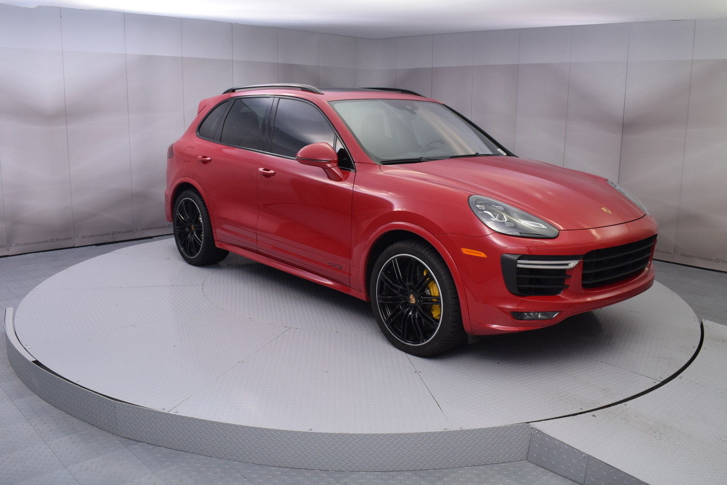 Used 2016 Porsche Cayenne Gts In Carmine Red With 9 885 Miles 2016 Porsche Cayenne Gts In Carmine Red With Black Interior Low Miles 2017 2018 24carshop Com