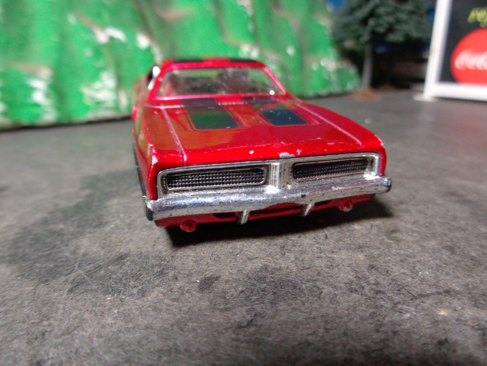 Amazing HOT WHEELS 1969 DODGE CHARGER 1:43 SCALE 5-50-14 2017/2018