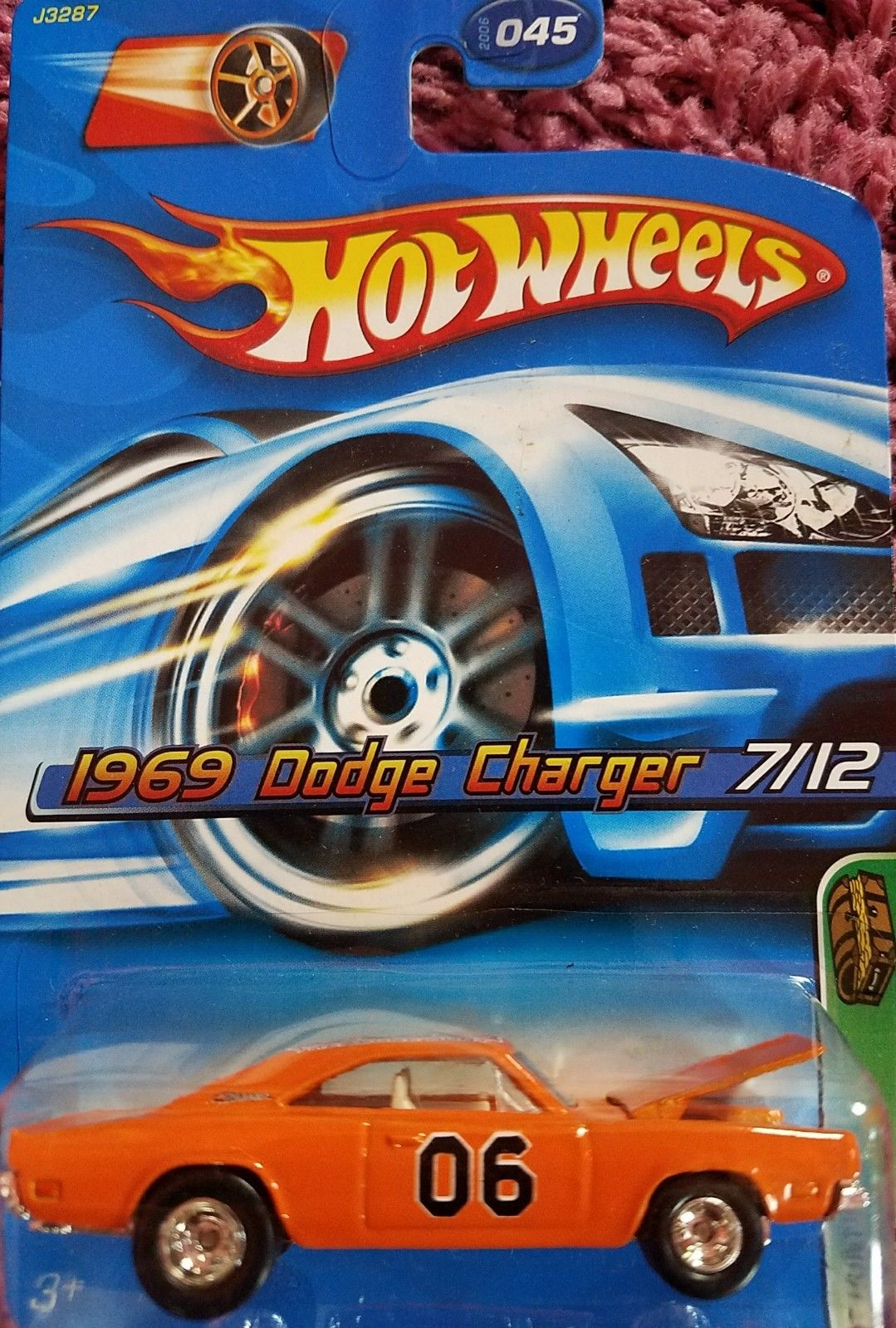 amazing hot wheels  treasure hunt  dodge charger   cars