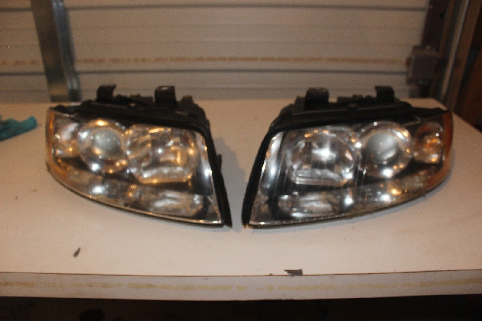 Awesome 2002 2003 2004 2005 Audi A4 Sedan Left And Right Headlight