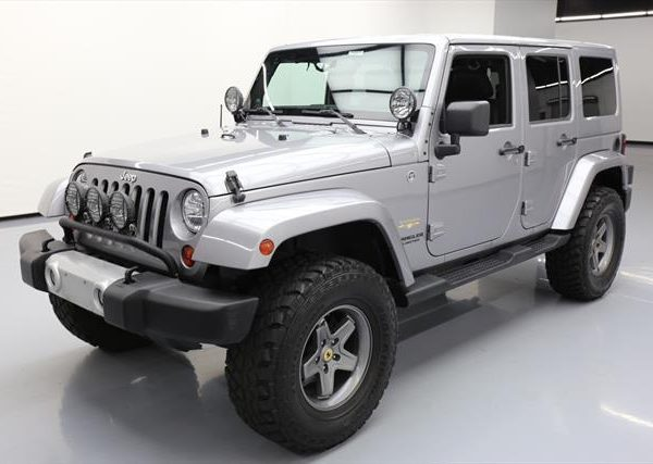 Awesome 2013 Jeep Wrangler Unlimited Sahara Sport Utility 4door