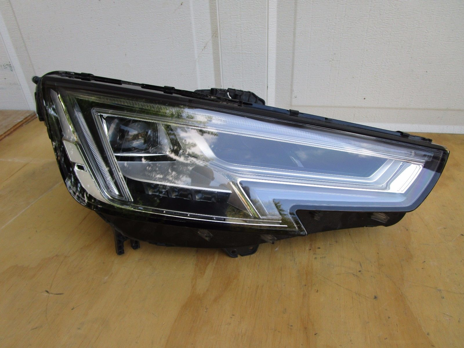 Great 2017 Audi A4 Front Right Led Headlight Oem 2018 2019 24carshop