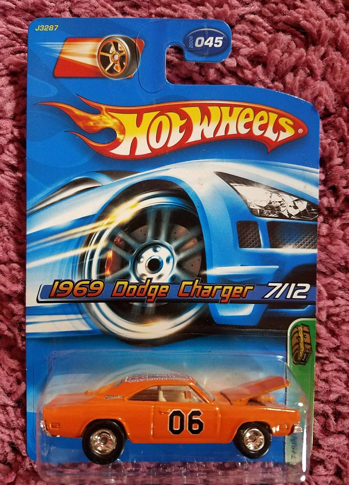 amazing hot wheels 2006 treasure hunt 1969 dodge charger. Black Bedroom Furniture Sets. Home Design Ideas