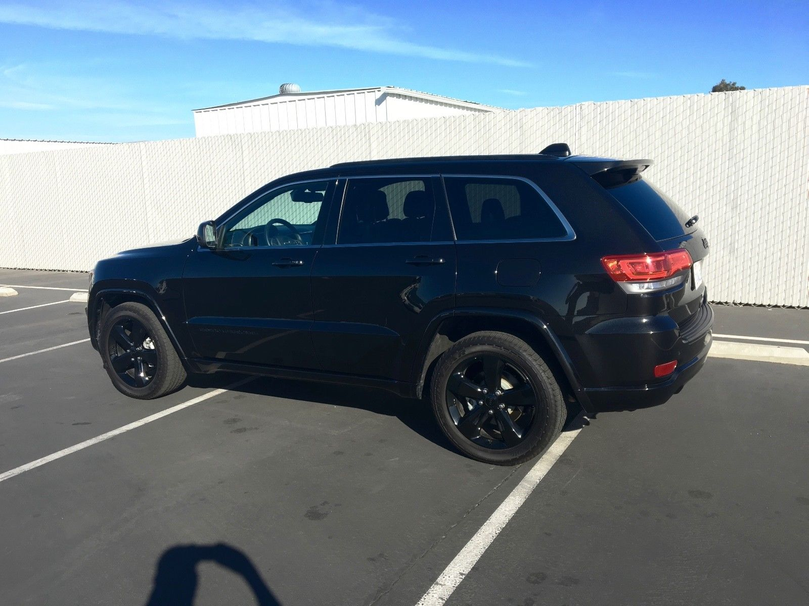 grand jeep altitude cherokee