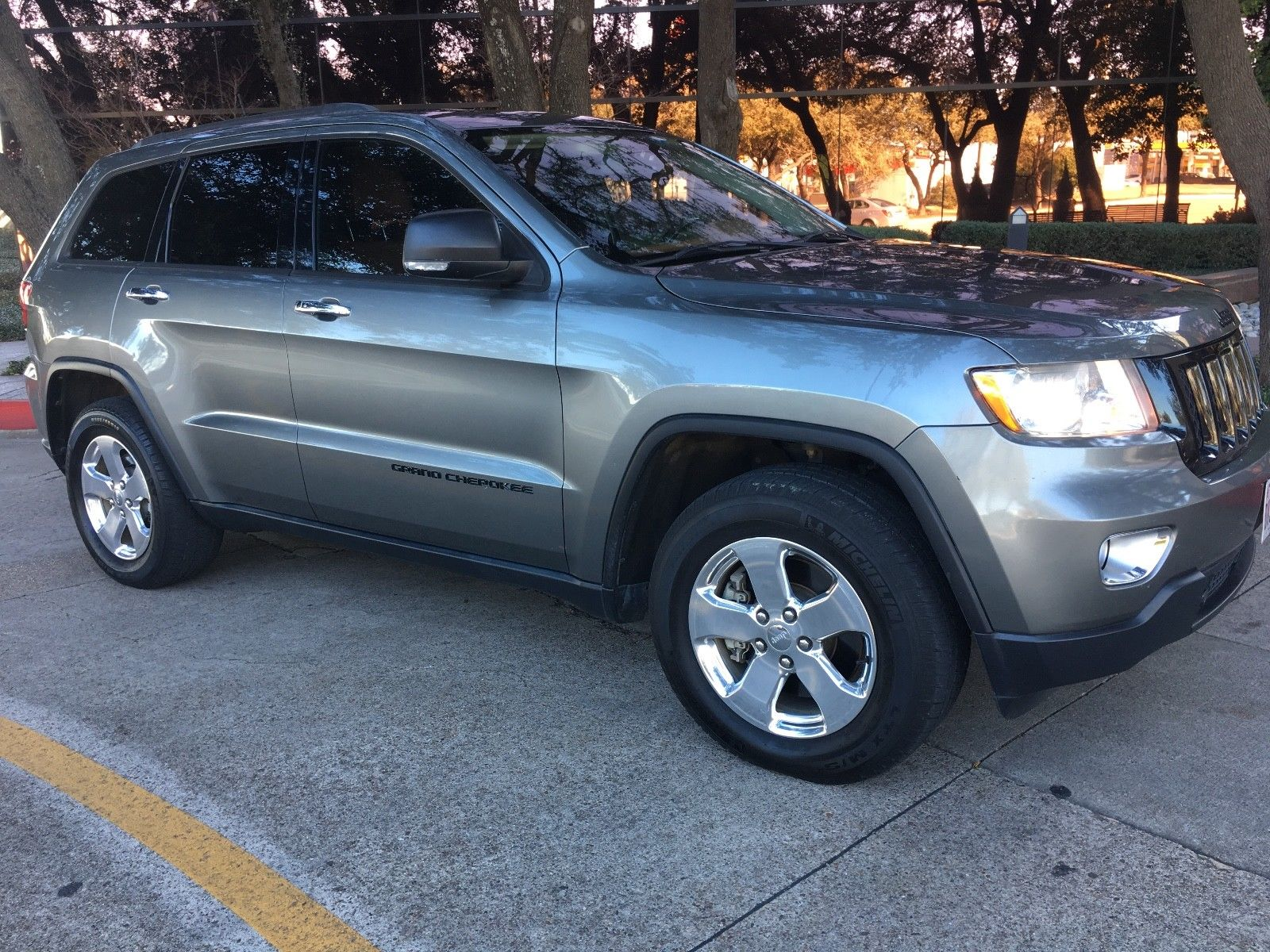 Used 2011 Jeep Grand Cherokee Overland Summit 2011 Jeep Grand Cherokee Overland Summit 4x4 Trail Rated Hemi V8 2017 2018 Is In Stock And For Sale 24carshop Com
