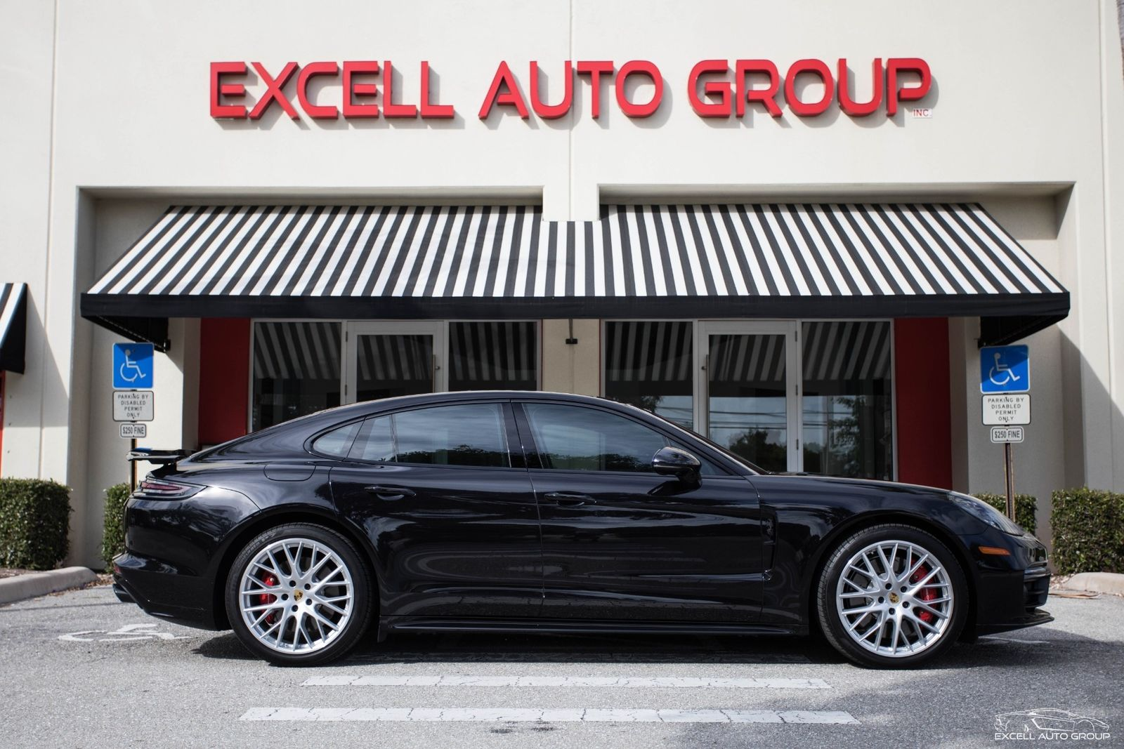 Amazing 2017 Porsche Panamera Turbo 3600 Miles Jet Black Metallic Sedan V8 4l A 2018 2019