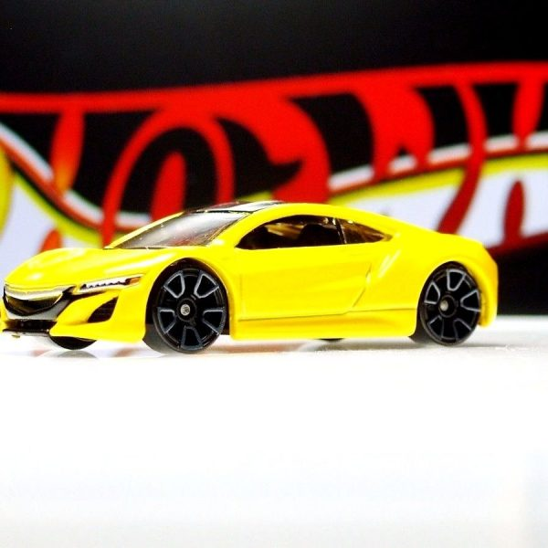 Hot Wheels / '17 Acura NSX / Yellow / 2017 2018-2019