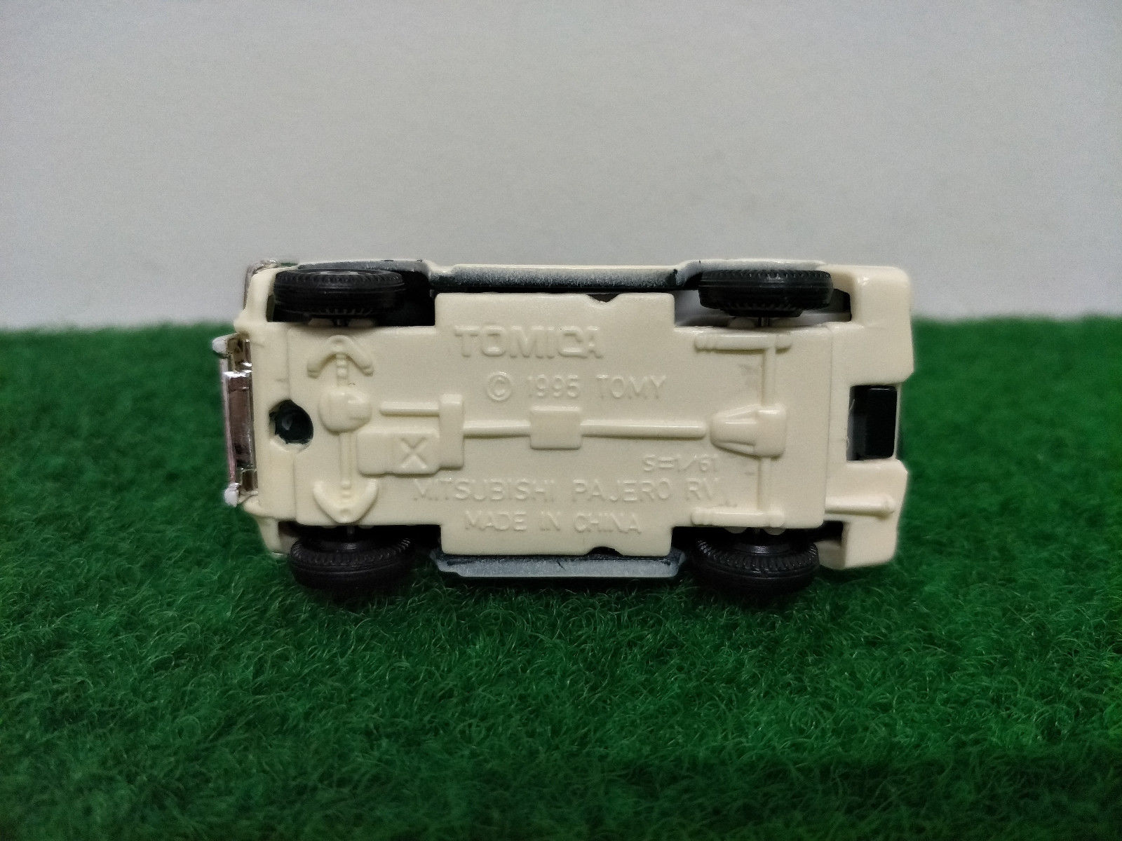 Listing All Cars >> Awesome Tomy Tomica Mitsubishi Pajero RV made in China ...