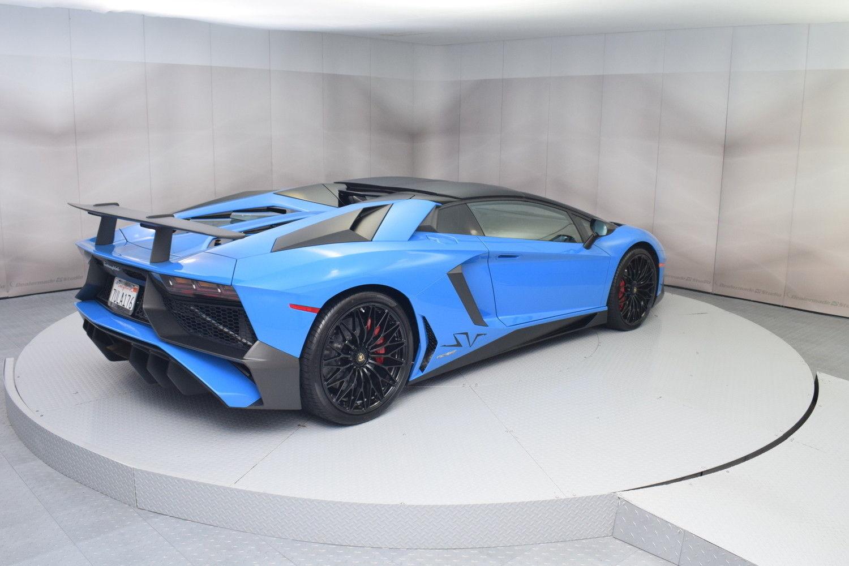 Amazing 2017 Lamborghini Aventador Roadster In Blue Lemans