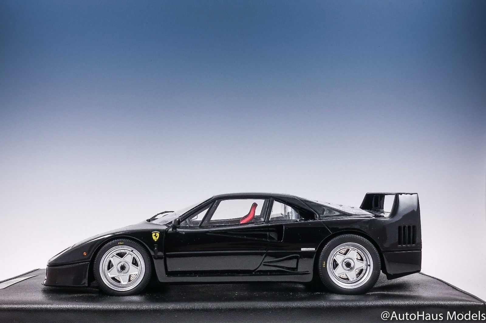 Used 1 18 Kyosho Ferrari F40 Black Leather Base Resin As Is 2017 2018 Is In Stock And For Sale 24carshop Com