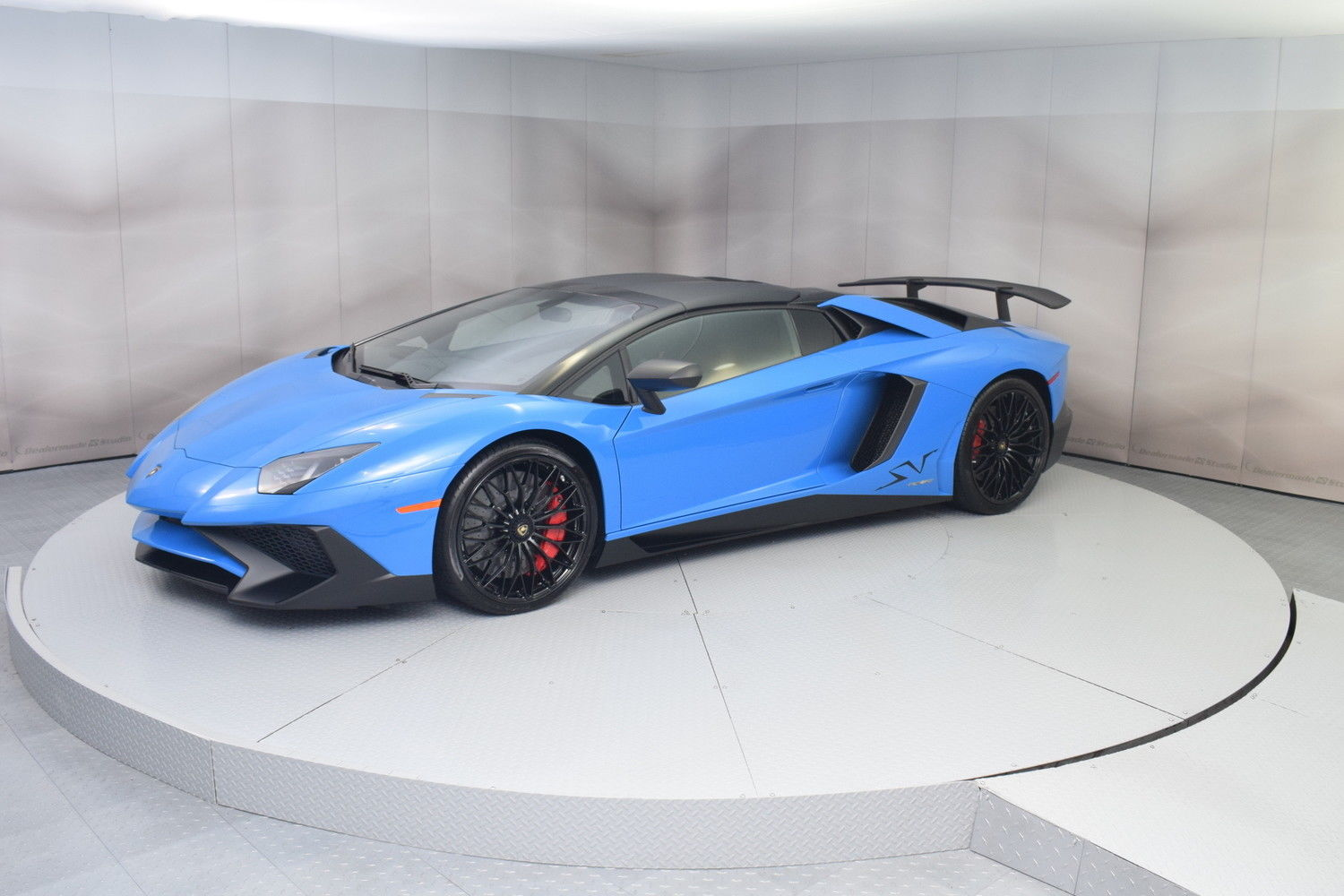 Amazing 2017 Lamborghini Aventador Roadster In Blue Lemans In 1 561