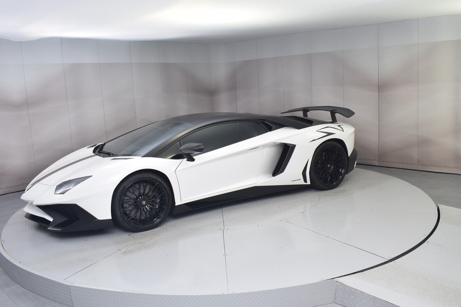 Awesome 2017 Lamborghini Aventador Sv Coupe In Bianco Monocerus With