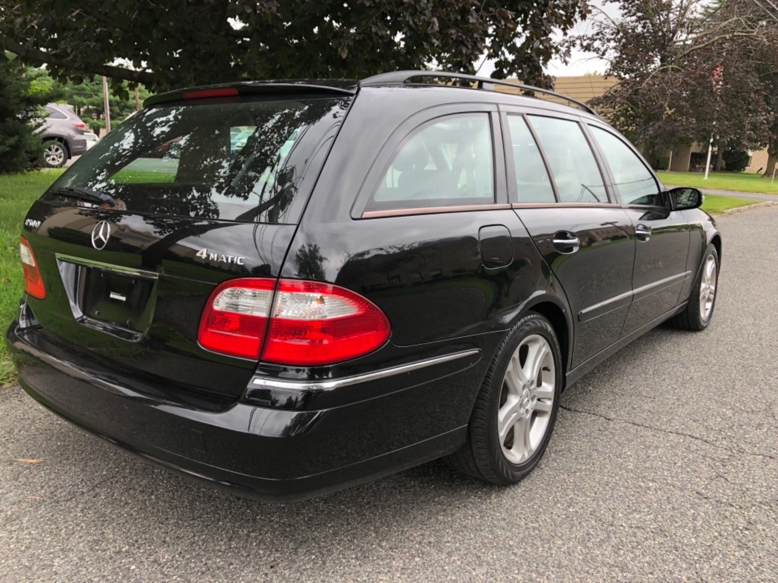 Awesome 2005 Mercedes Benz E Class V8 * 7 SEATER * LOW MILES 2005 MERCEDES  BENZ E500 STATIONWAGON * GORGEOUS * WELL KEPT * VERY CLEAN 2017/2018