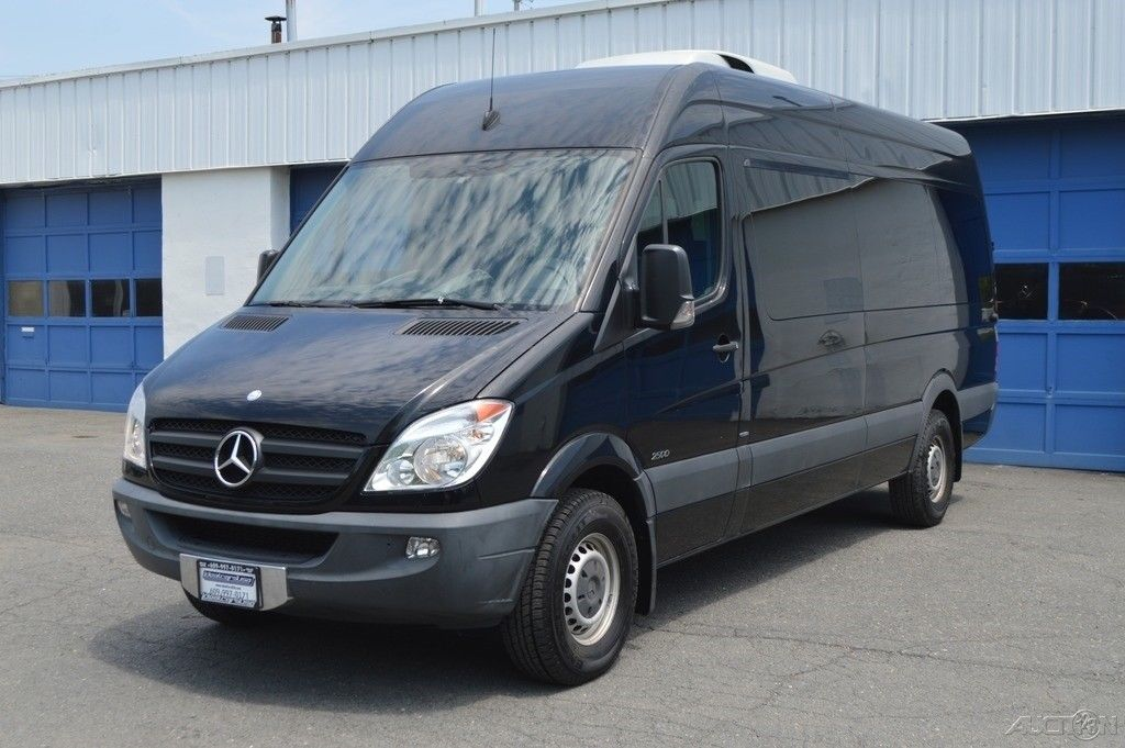 Awesome Mercedes-Benz Sprinter Sprinter 2500 Passenger Van 170 in  WB High  Roof Full Power Option Clean Carfax Rear Air Power Deploying Step Excellent