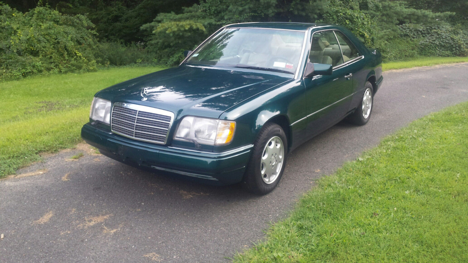1994 mercedes benz e class e 320 coupe 2d w124 e320 coupe 2 owner tourmaline green runs great fresh paint needs nothing 2018 2019 24carshop com 1994 mercedes benz e class e 320 coupe
